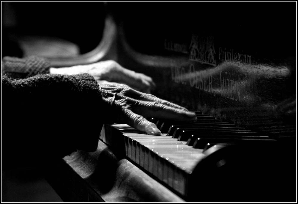 The old pianist
