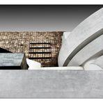 ... the Solomon R Guggenheim Museum ...