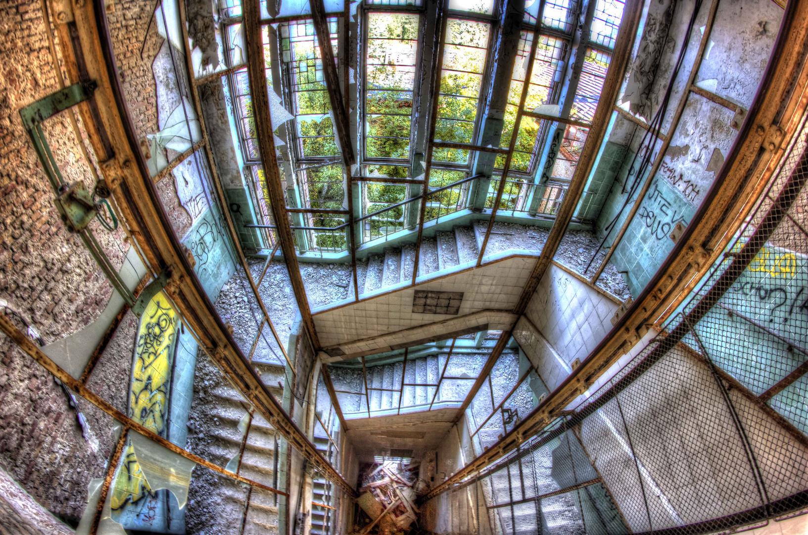 The spooky elevator - Beelitzer Heilstätten