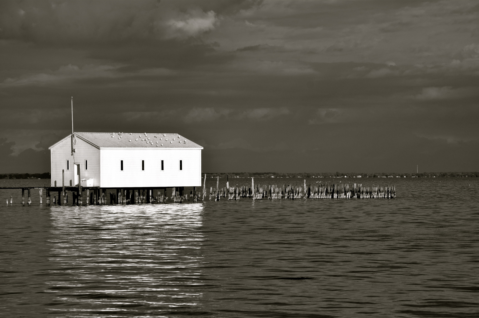 The stillness of Anchor Bay