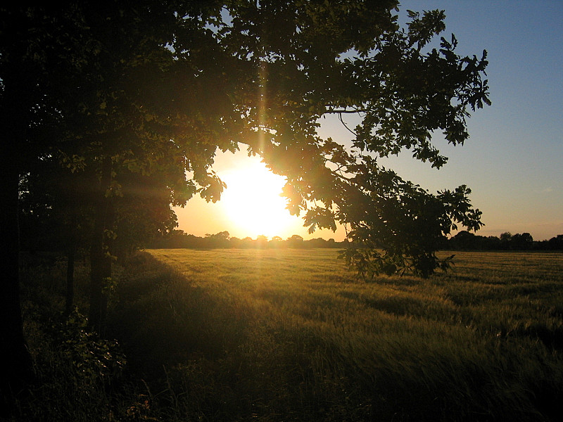 The Sun goes slowly down