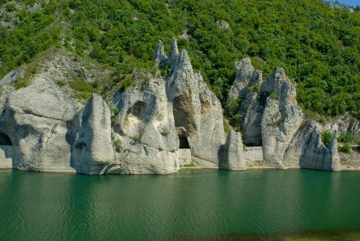 The wonder rocks,BG