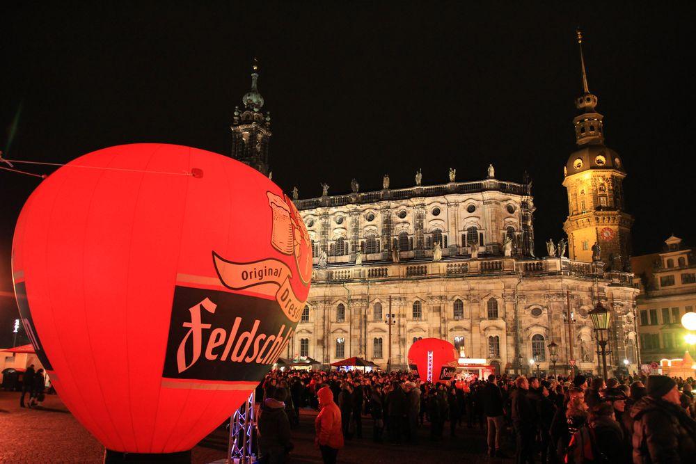 Theaterplatz zum Semperopernball 2014