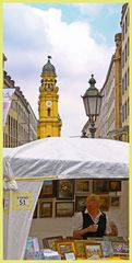 Theatinerstrasse und Theatinerkirche in München beim Stadtfest