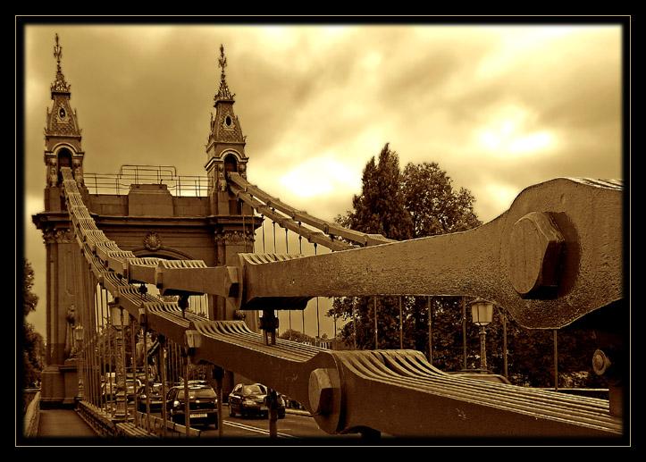 Themsebrücke