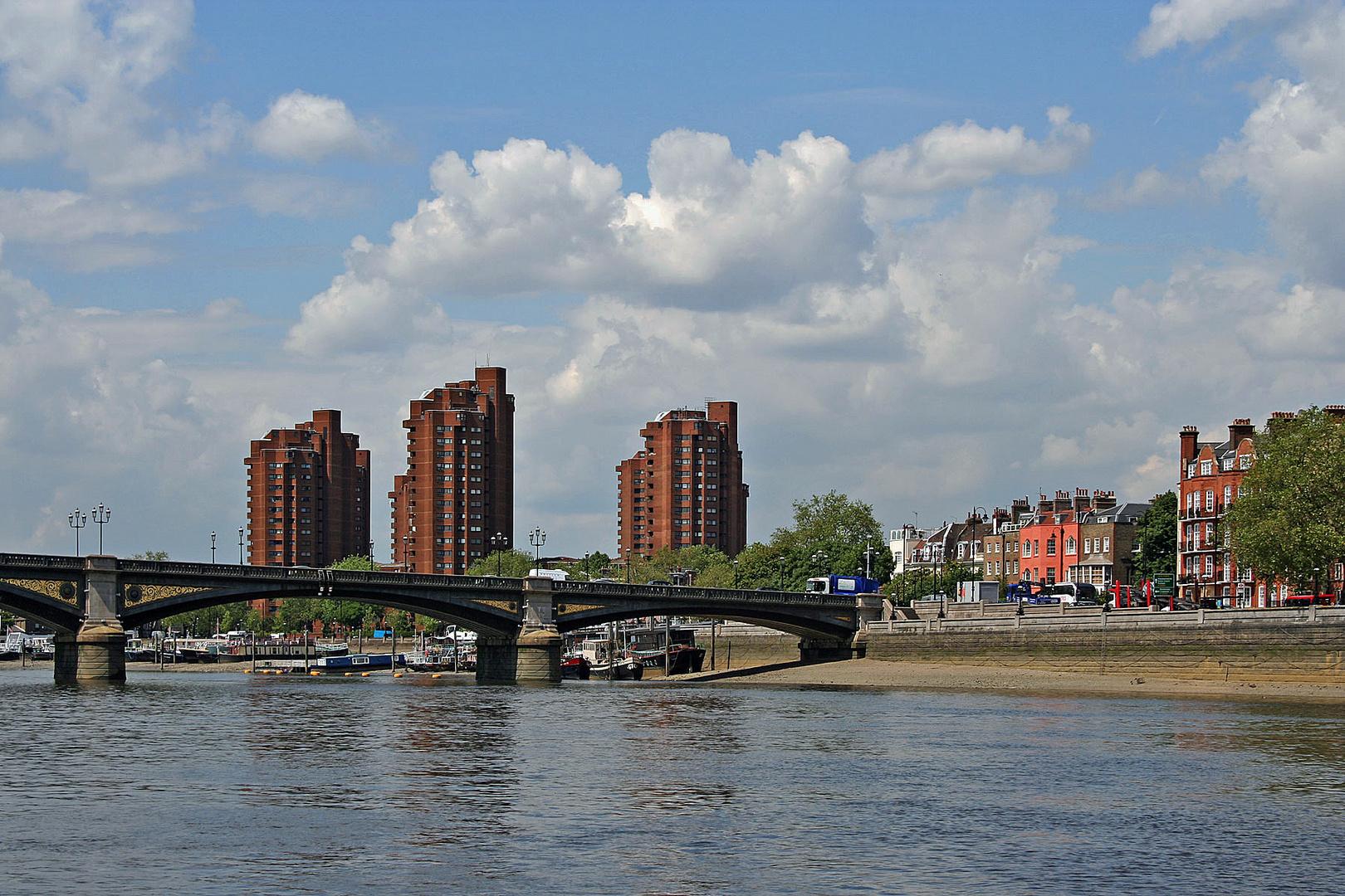 Themsefahrt: Die Battersea Bridge war einst eine Mautbrücke