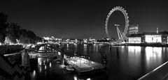 Themseufer bei Nacht