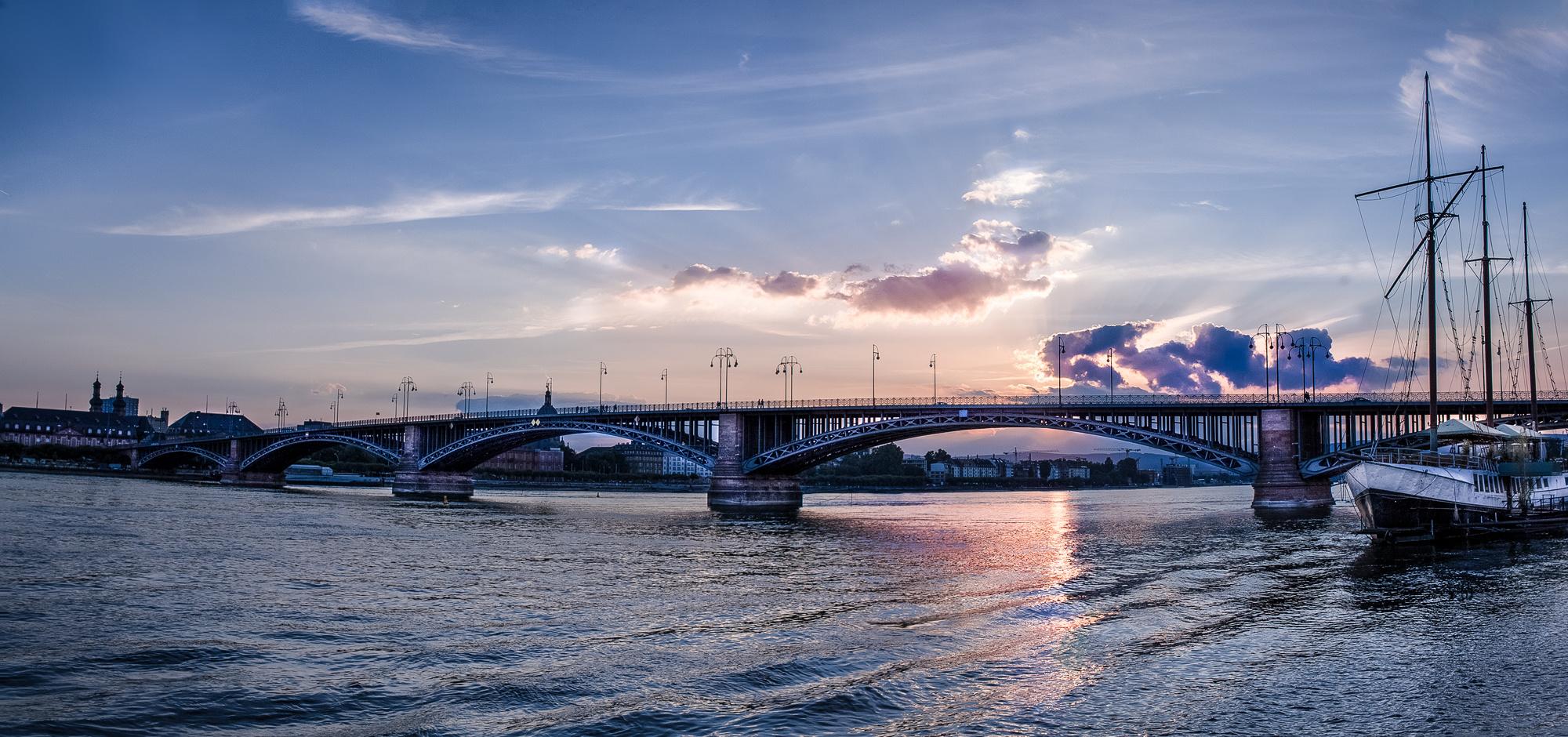 Mainz Theodor Heuss Brücke