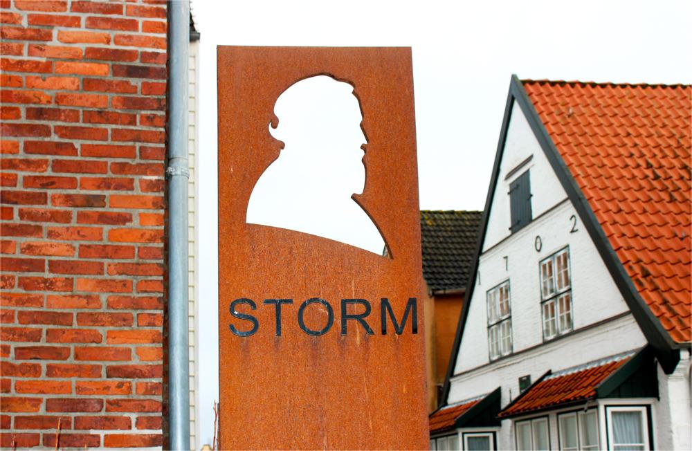 """ Theodor Storm """