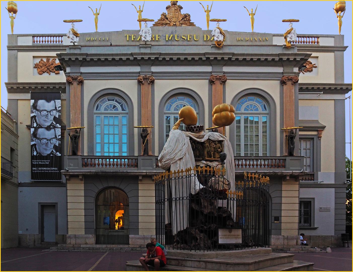 Théâtre-Musée Dali  --  Figueras