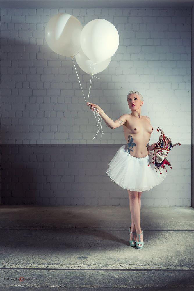 three balloons, three ways to fly