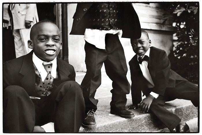 Three black boys. Poitiers, Juni 2004.