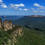 Three Sisters und Mount Solitary im Blue-Mountains-NP