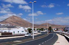 Tiagua, eine Straße am Mittag