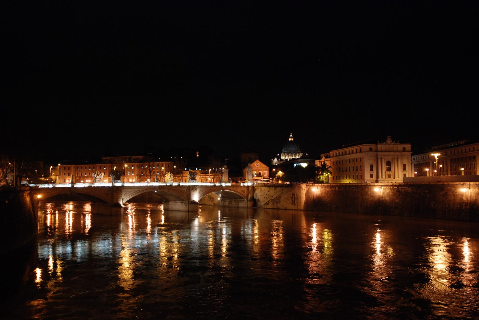 Tiberbrücke mit Petersdom