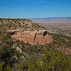 Tief im Tal fließt der Colorado River....