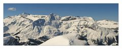 Tiefverschneites Berner Oberland