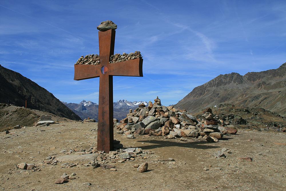 Timmelsjoch 1 - das Kreuz im Gebirge
