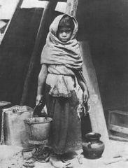 Tina Modotti, Bimba che porta acqua