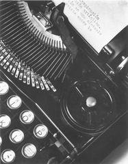 Tina Modotti, La macchina da scrivere di Mella, 1928