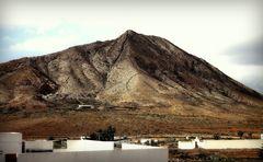 tindaya, der heilige berg, fuerteventura