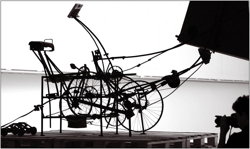 ... Tinguely-Maschine ...