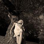 Tinuviel at the Tree