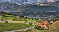 TIROL - Blick vom Kolsassberg – gegenüber das Karwendel