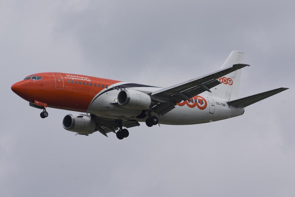 TNT - Boeing 737-3Q8(QC)
