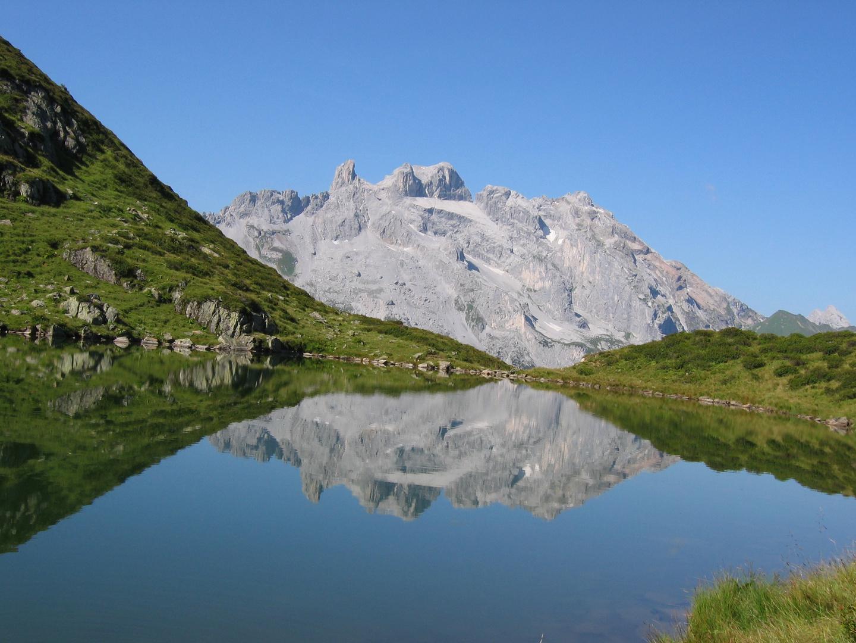Tobelsee mit Drei Türmen im Montafon