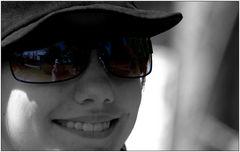... Töchterchen mit Sonnenbrille ...