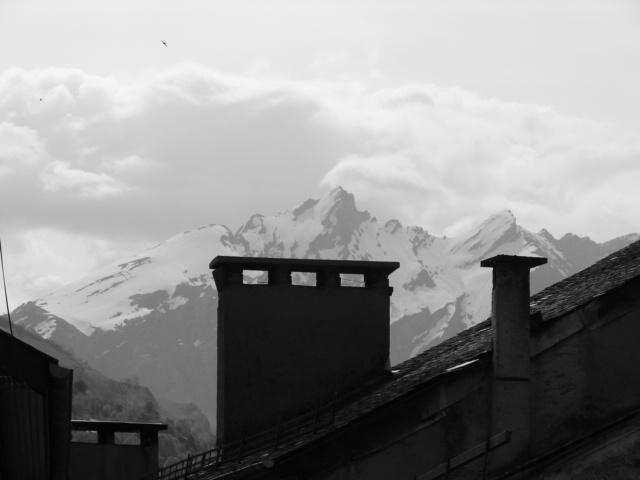 toit et montagne