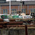 .....tolles Schiff - ganz schön bunt - auch ganz schön kaputt....