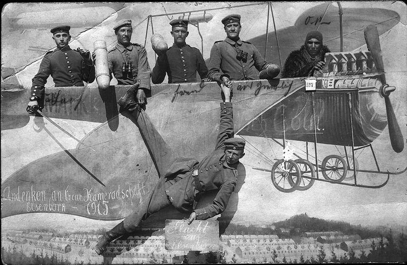 tollkühne Männer in ihren fliegenden Kisten