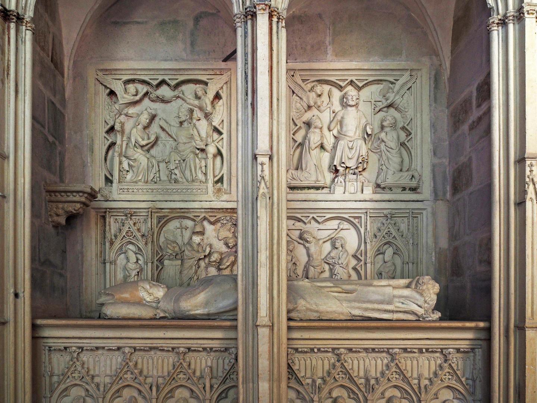Tombeau avec gisant de Raynaud de la Porte,