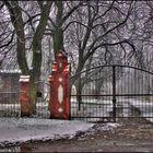 Tor im Schnee