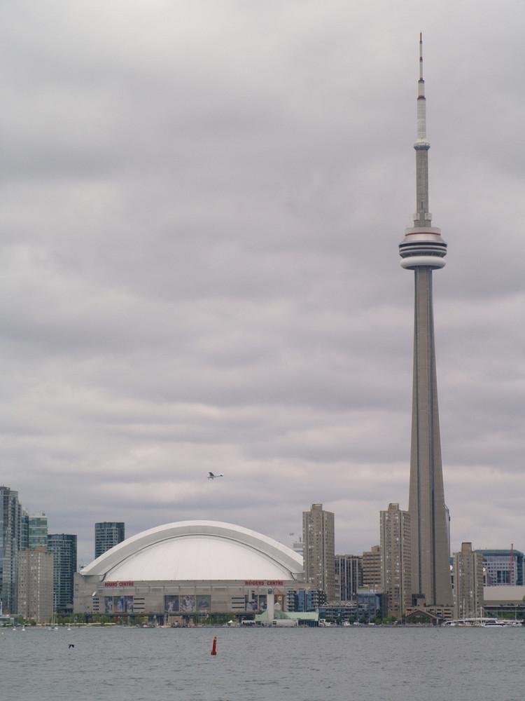 Toronto - CN Tower & Skydome