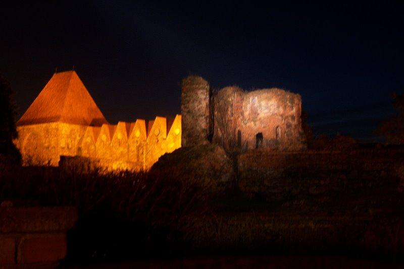 Toruñ by night;)