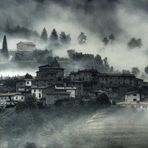 Toskana Nebellandschaft näher dran