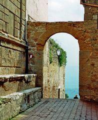 Toskanischer Durchblick(2)