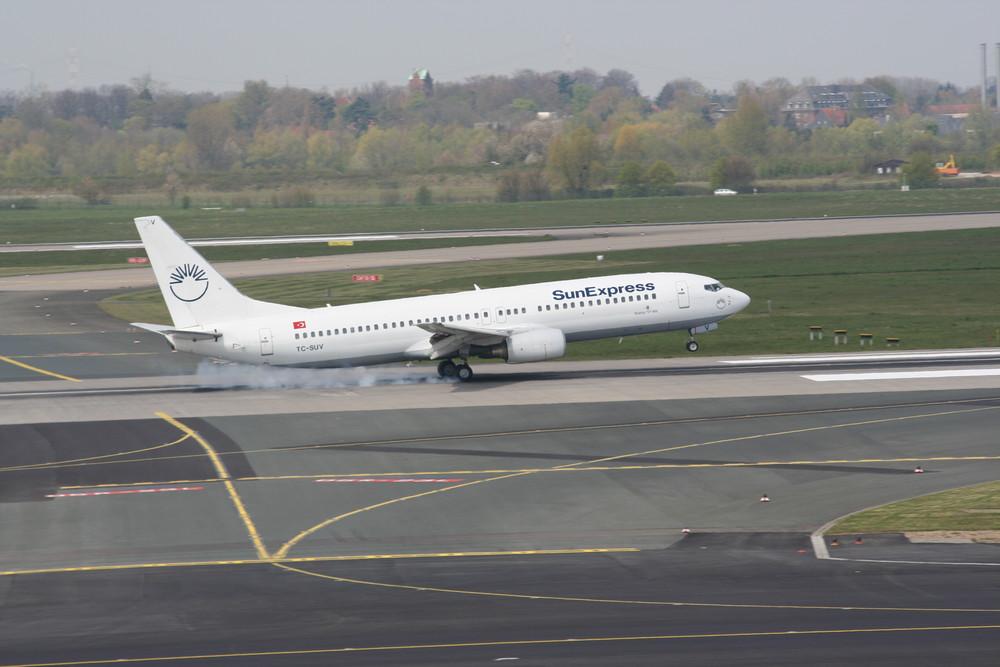 Touchdown Boeing 737-800 DUS
