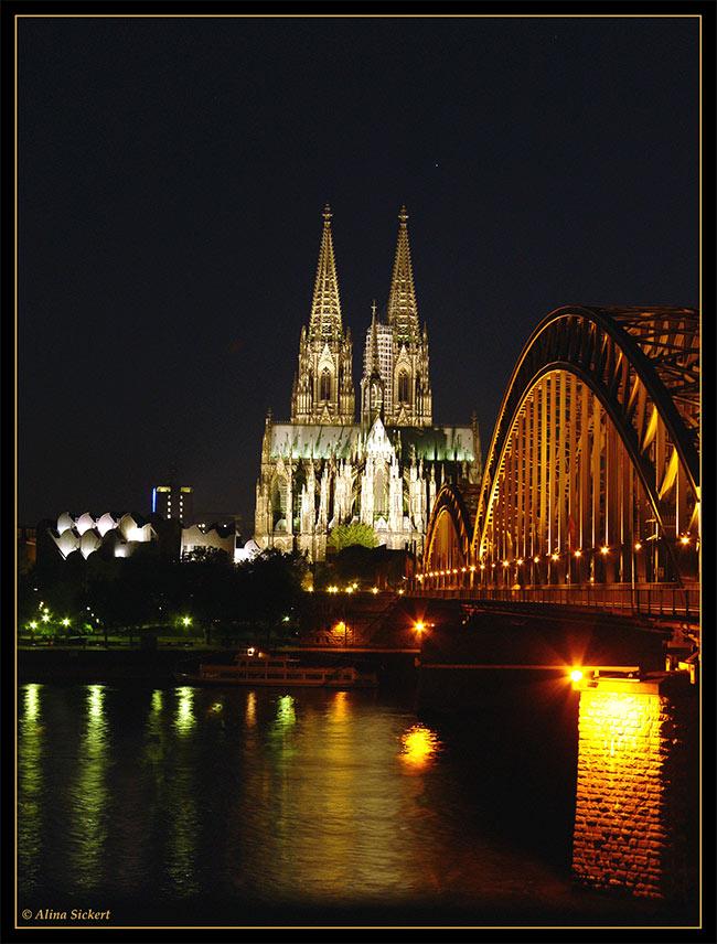 Touri-Ansicht von Dom und Brücke I