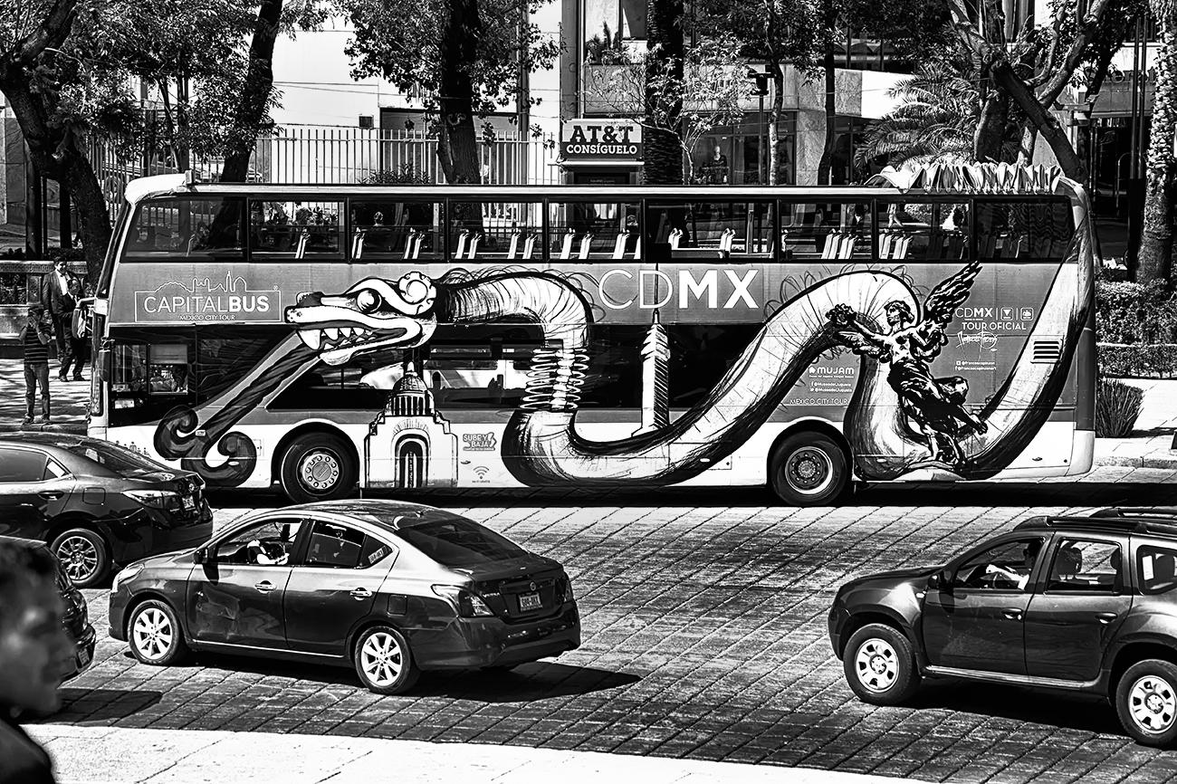 Tours sobre la serpiente, Glorieta del Ángel de la Independencia CDMX