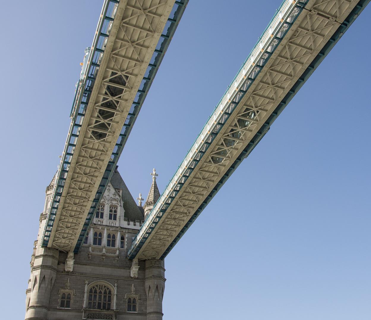 Tower Bridge - 06
