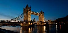 Tower Bridge am Abend