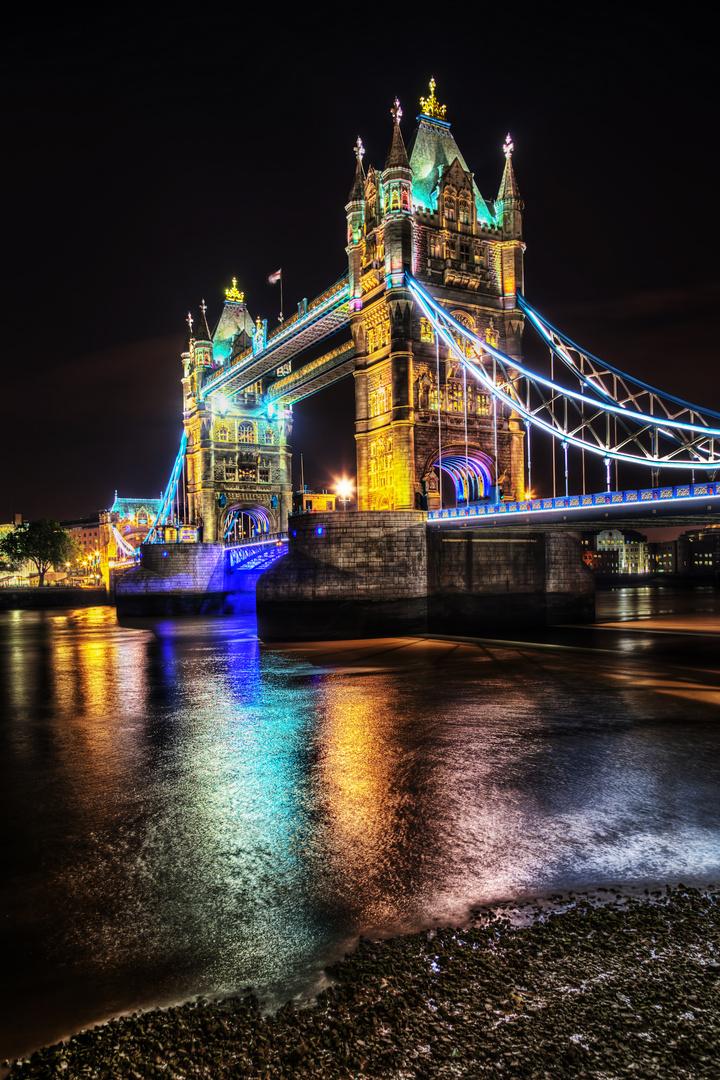 tower bridge in london bei nacht foto bild architektur architektur bei nacht london bilder. Black Bedroom Furniture Sets. Home Design Ideas