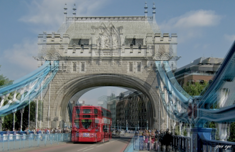 _ TOWER BRIDGE / LONDON _