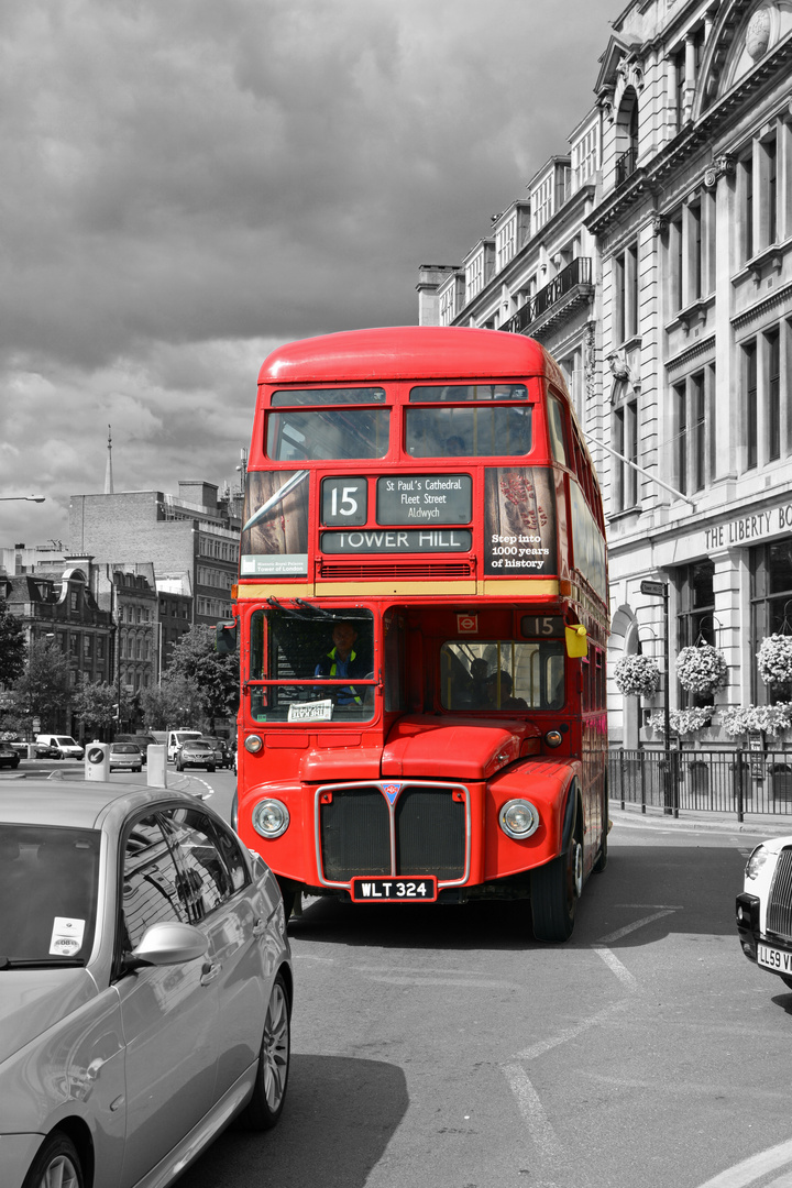 Tower Hill Bus