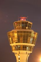 Tower München bei Nacht (Langzeit)