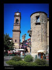 Tra campanile e torre